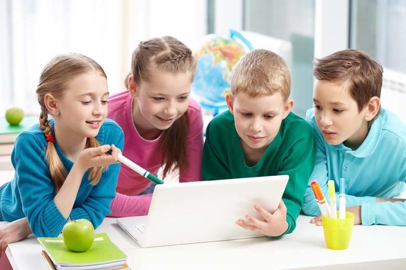 Как выбрать папку для портфолио школьника