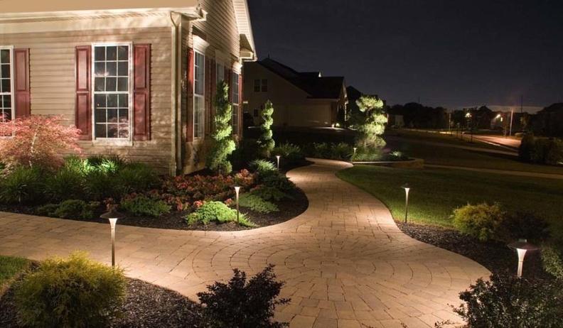 Какое освещение выбрать для загородного дома