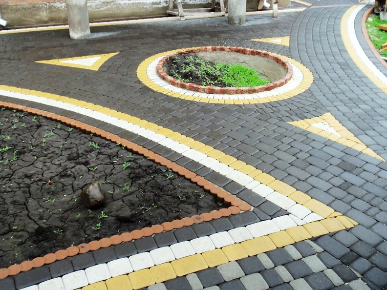 Покрытие из тротуарной плитки