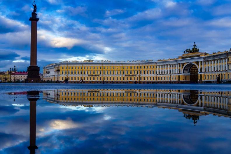 Зачем оформлять временную регистрацию при переезде в Санкт-Петербург?