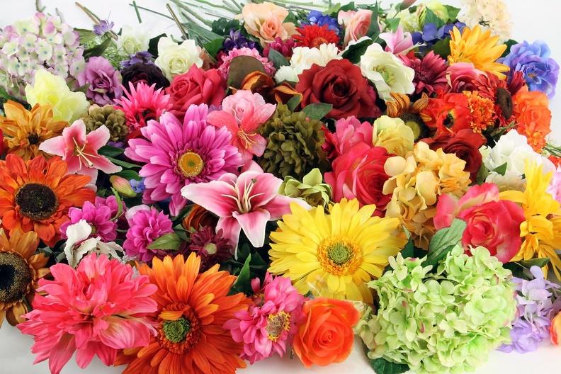 Популярная услуга - доставка  цветов