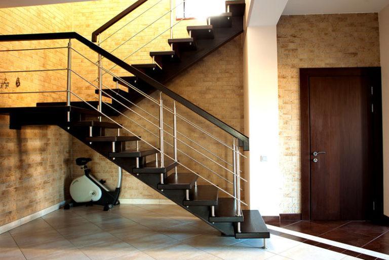 Какой материал выбрать для ступеней лестницы