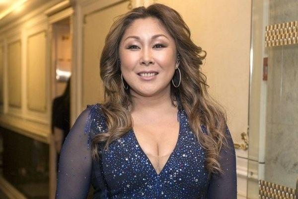 Анита Цой пожаловалась, что стремительно набирает вес