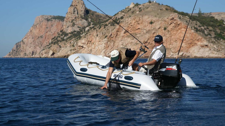 Как выгодно продать лодочный мотор