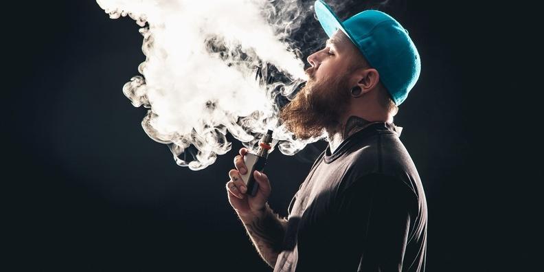 Почему люди курят вейп