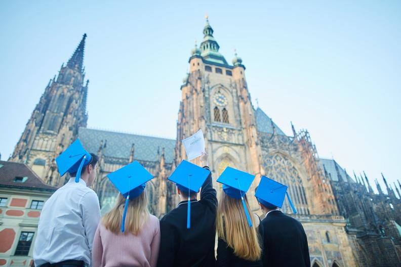 Основные преимущества получения диплома в Чехии