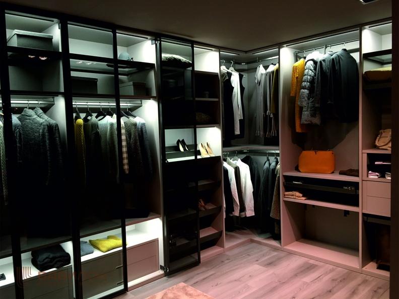 Шкаф или гардеробная система: нюансы выбора, преимущества