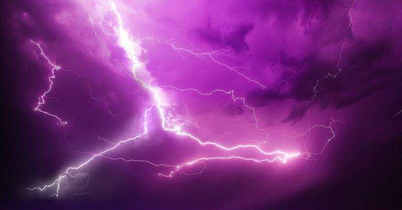 СМИ: в Индии более 100 человек погибли от ударов молний за один день