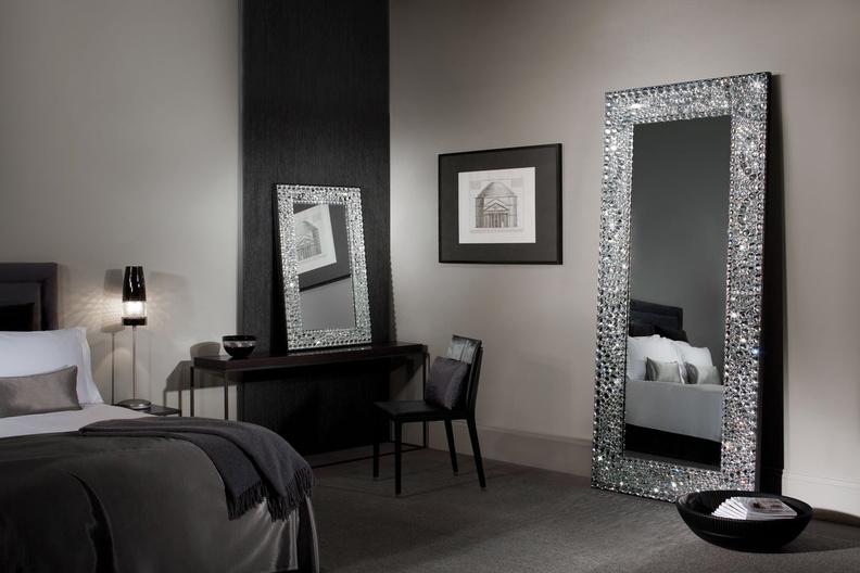 Зеркала: разновидности и особенности