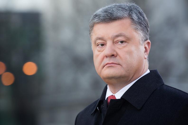 Против Порошенко открыто более 58 уголовных дел - адвокат