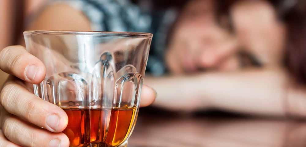 Чем опасен алкоголизм: как лечить