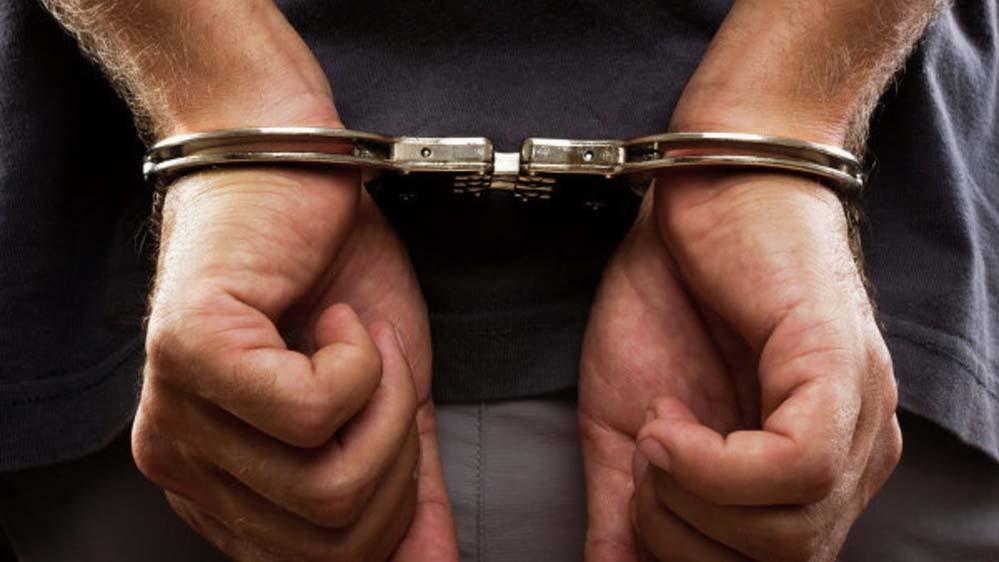 В Горловке задержан вор, похищавший вещи из салонов припаркованных автомобилей