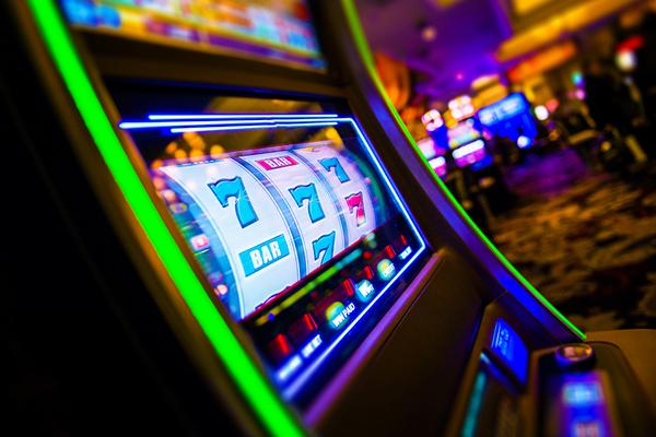 """Клуб """"Rox Казино"""" и его коллекция качественных игровых автоматов"""