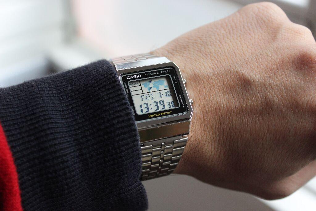 Какими достоинствами обладают электронные часы