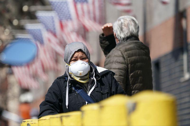 Число заболевших коронавирусом в США превысило 200 тысяч человек
