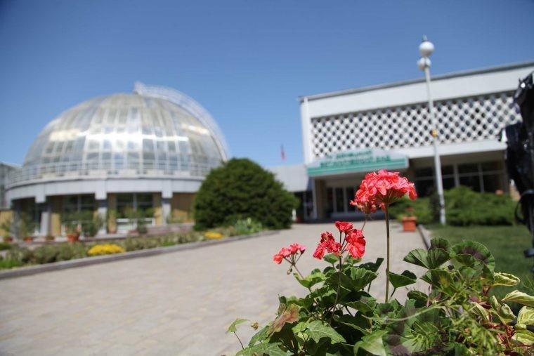 Донецкий ботанический сад возобновил экскурсионные туры, приостановленные из-за COVID-19 – директор